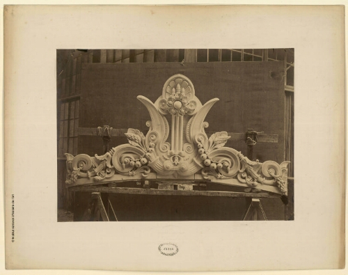 [Paris, Opéra Garnier, sculptures décoratives]